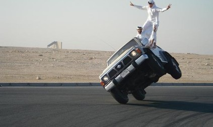 arab_car_surfing-500x300